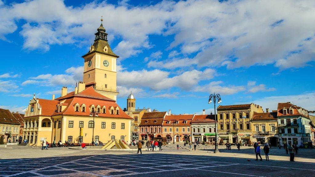 Brasov - Council Square-min