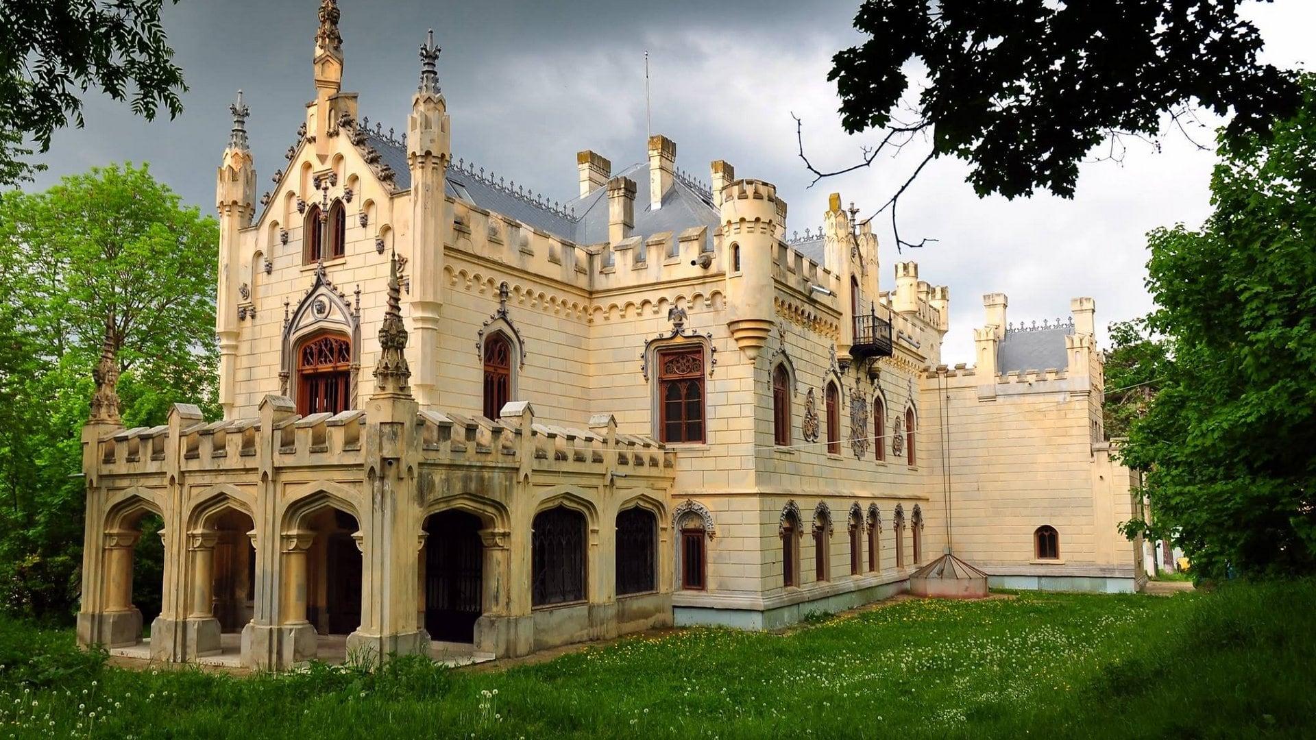 Strurdza Castle 05-min