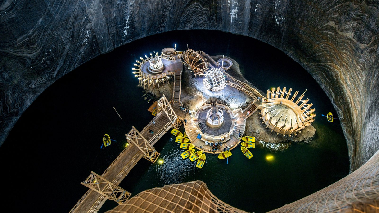 Unique experiences -Turda Saltmine-min
