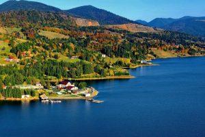 Colibita Lake - Mountain and sea in perfect harmony